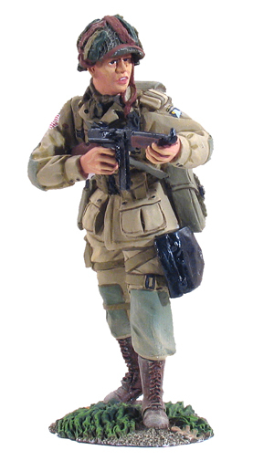 25012 - U.S. 101st Airborne Paratrooper Firing Thompson SMG No.1